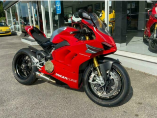 DUCATI PANIGALE V4 R, FULL JESTER EXHAUST SYSTEM, ONLY 1400 MILES 1 OWNER.