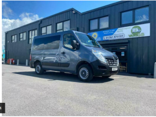 Renault Master SL28dCi Low Roof - wheelchair vehicle