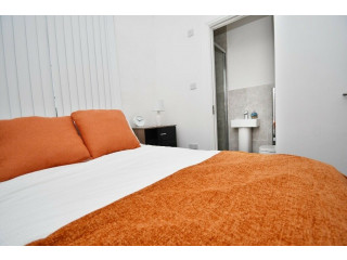 Staffordshire Uni 4 Bed HMO in Stoke Top Spec Refurb Throughout Net Returns 16.34% PA